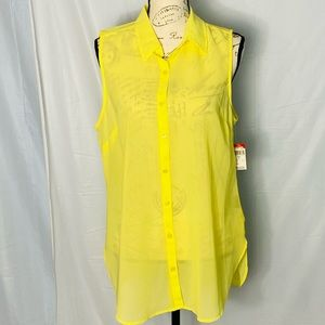 NWT Attention Button Top